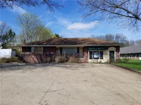 Property for sale at 4858 Dover Center Road, North Olmsted,  Ohio 44070