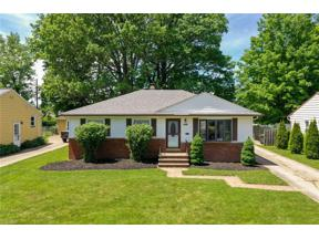 Property for sale at 7236 Glenn Oval Drive, Parma Heights,  Ohio 44130
