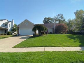 Property for sale at 2011 Glenmont Drive, Brunswick,  Ohio 44212