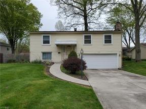 Property for sale at 9361 Driftwood Drive, Olmsted Falls,  Ohio 44138