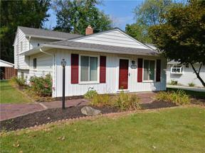 Property for sale at 5586 Whitehaven Avenue, North Olmsted,  Ohio 44070
