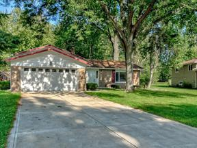 Property for sale at 6025 Somerset Drive, North Olmsted,  Ohio 44070