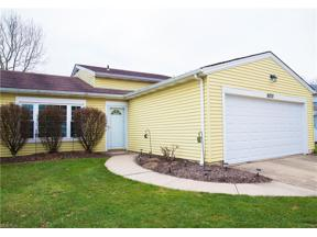 Property for sale at 8878 Summerset Lane 123, Olmsted Falls,  Ohio 44138