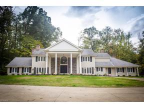 Property for sale at 4 Whisperwood Lane, Chagrin Falls,  Ohio 44022