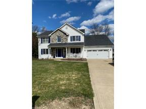 Property for sale at 28720 Glen Hollow Lane, Olmsted Falls,  Ohio 44138