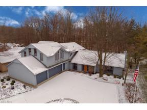 Property for sale at 21875 Meadows Edge Lane, Strongsville,  Ohio 44149