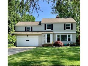 Property for sale at 5220 E Farnhurst Road, Lyndhurst,  Ohio 44124