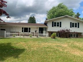 Property for sale at 28610 Lynhaven Drive, North Olmsted,  Ohio 44070
