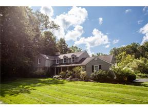 Property for sale at 72 Wychwood Drive, Moreland Hills,  Ohio 44022