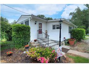Property for sale at 964 Orchard Avenue, Aurora,  Ohio 44202