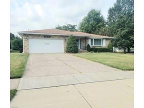 Property for sale at 14665 Pawnee Trail, Middleburg Heights,  Ohio 44130