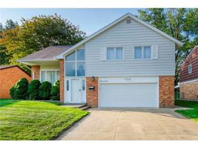 Property for sale at 5701 Hollywood Drive, Parma,  Ohio 44129