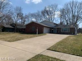 Property for sale at 13931 Trenton Trail, Middleburg Heights,  Ohio 44130