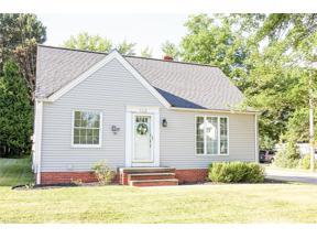 Property for sale at 5179 Edenhurst Road, Lyndhurst,  Ohio 44124