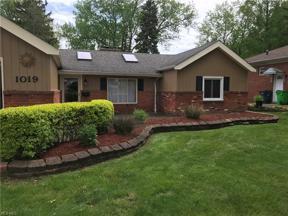 Property for sale at 1019 Lander Road, Mayfield Village,  Ohio 44143