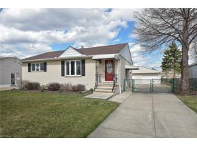 Property for sale at 15400 Susan Drive, Brook Park,  Ohio 44142