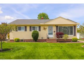 Property for sale at 4588 Winter Ln, Brooklyn,  Ohio 44144