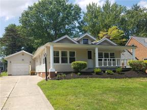 Property for sale at 1620 Sunview Road, Lyndhurst,  Ohio 44124