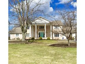 Property for sale at 6 Pepper Creek Drive, Pepper Pike,  Ohio 44124