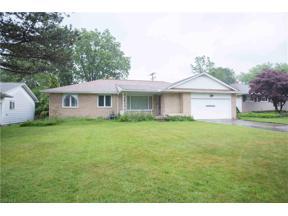 Property for sale at 1873 Aldersgate Drive, Lyndhurst,  Ohio 44124