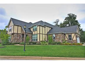 Property for sale at 140 Eagle Point Drive, Lyndhurst,  Ohio 44124