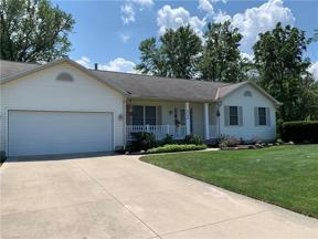 Property for sale at 4246 Hawthorne Avenue, Sheffield Lake,  Ohio 44054