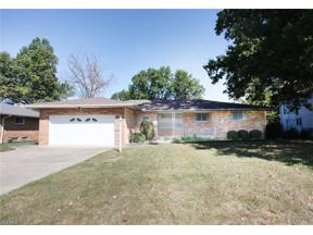 Property for sale at 399 Calvin Drive, Seven Hills,  Ohio 44131
