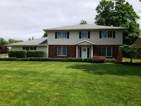 Property for sale at 385 Sandhurst Drive, Highland Heights,  Ohio 44143