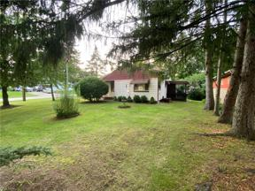 Property for sale at 6705 E Pleasant Valley Road, Independence,  Ohio 44131