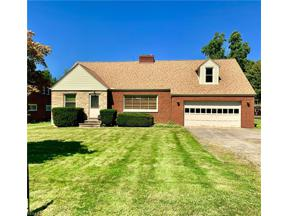 Property for sale at 5527 Wilson Mills Road, Highland Heights,  Ohio 44143