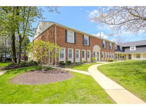 Property for sale at 2126 Cottingham Drive, Lyndhurst,  Ohio 44124