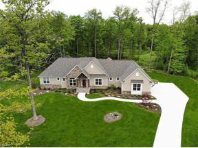 Property for sale at 10 Ledgebrook Lane, Chagrin Falls,  Ohio 44022
