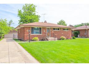Property for sale at 24256 Rosita Lane, North Olmsted,  Ohio 44070