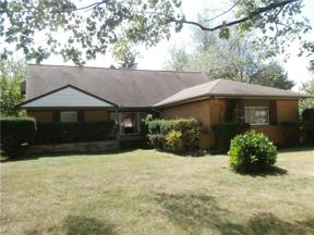 Property for sale at 5680 Alberta Drive, Lyndhurst,  Ohio 44124
