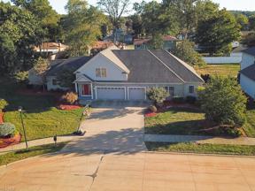 Property for sale at 820 E Dawnwood Drive, Seven Hills,  Ohio 44131