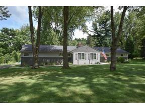 Property for sale at 15 Daisy Lane, Chagrin Falls,  Ohio 44022