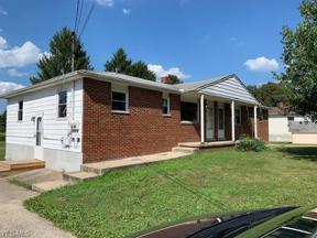Property for sale at 104 Hazelwood Drive, Seville,  Ohio 44273