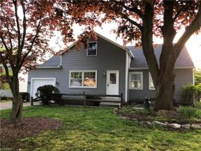 Property for sale at 1292 Haverston Road, Lyndhurst,  Ohio 44124