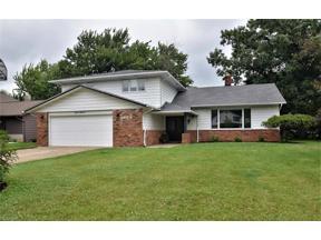 Property for sale at 5553 Kilbourne Drive, Lyndhurst,  Ohio 44124