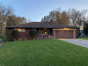 Property for sale at 6750 Thornapple Drive, Mayfield Village,  Ohio 44143