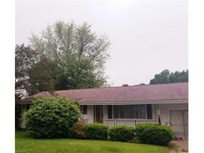 Property for sale at 922 Dillewood Street, Sheffield Lake,  Ohio 44054