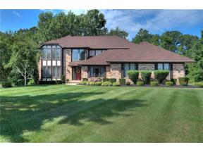 Property for sale at 308 Babbling Brook Oval, Hinckley,  Ohio 44233
