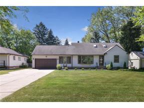 Property for sale at 874 Stuart Drive, South Euclid,  Ohio 44121