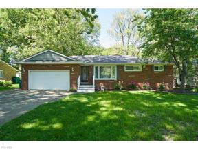 Property for sale at 1891 Mapleview Drive, Seven Hills,  Ohio 44131