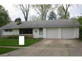 Property for sale at 424 Anne Drive, Berea,  Ohio 44017