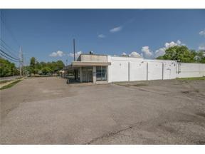 Property for sale at 4646 E Lake Road, Sheffield Lake,  Ohio 44054