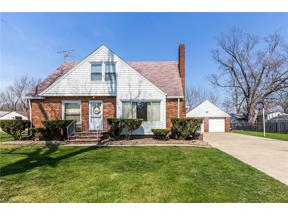 Property for sale at 600 Longfellow Drive, Berea,  Ohio 44017