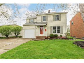Property for sale at 1527 Crestwood Road, Mayfield Heights,  Ohio 44124