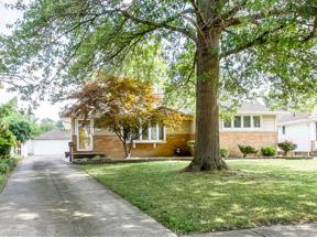 Property for sale at 16796 Bardbury Avenue, Middleburg Heights,  Ohio 44130