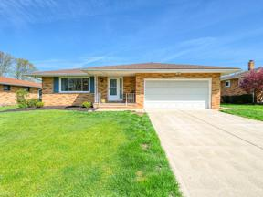 Property for sale at 7278 Barton Hill Drive, Parma,  Ohio 44129